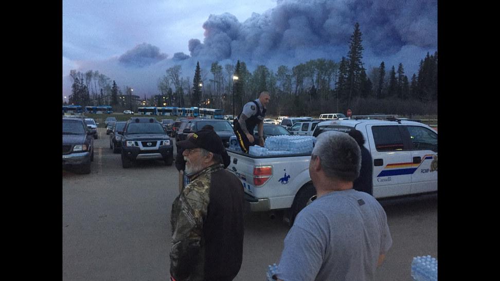 因市场担心加拿大火灾影响原油供应