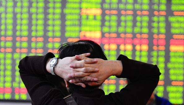 A股市场面临崩盘?