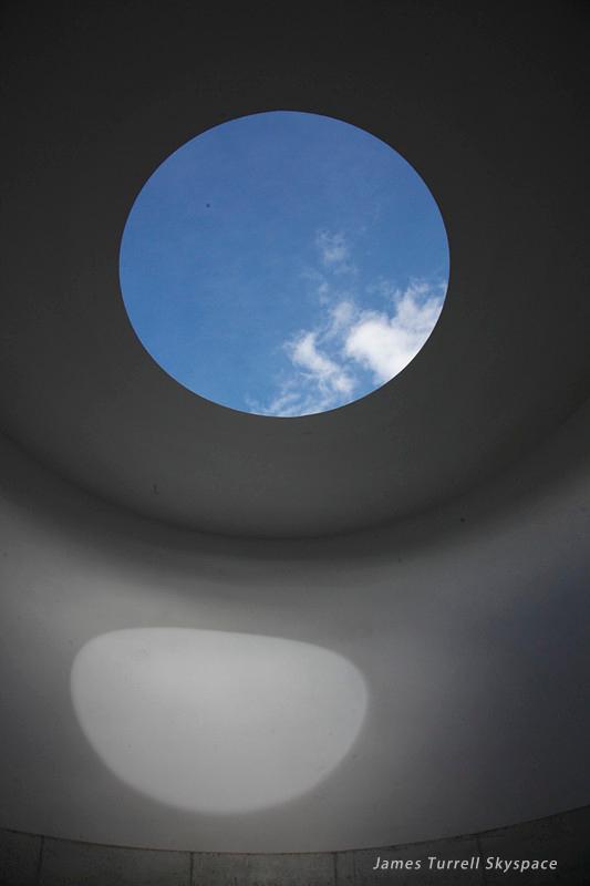 藏在瑞士山谷的私人美术馆