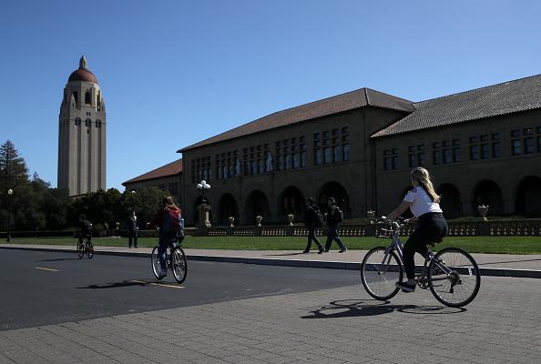 富豪捐贈正在左右精英大學