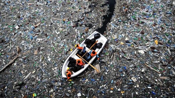 研究:塑料垃圾令全球海洋窒息
