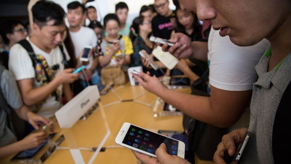 中国需求放缓拖累全球智能手机市场